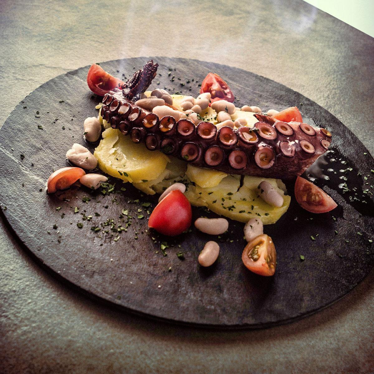 Insalatina di Polipo tiepido all'olio di frantoio con patate e cannellini